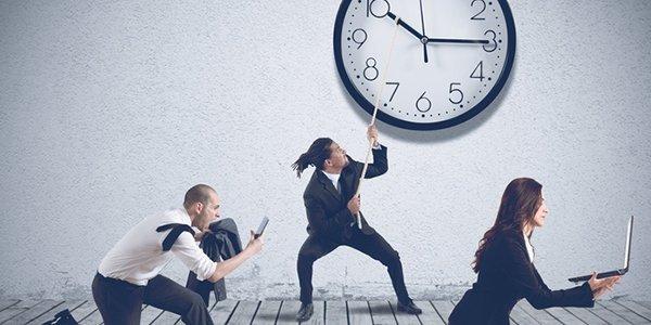 SAP Mehrarbeitsantrag: Arbeits- und Pausenzeiten im Blick behalten.